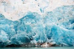 Nordenskiöldbreen冰川在Pyramiden附近的夏天在Billefjord海岸在斯瓦尔巴特群岛的 库存照片