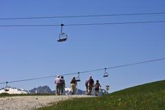 Nordic, der bei Latschenalm, Gerlos in Tirol geht Lizenzfreie Stockbilder