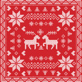 Nordischer Winterstich der skandinavischen Art, strickendes nahtloses Muster im Quadrat, Fliesenform einschließlich Schneeflocken lizenzfreies stockfoto