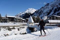 Nordisk skidåkning i Lech, Voralberg, Österrike Arkivfoton