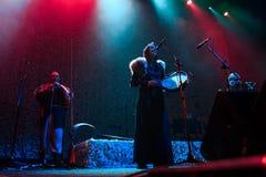 Nordiskt rituellt LAND för folkmusikband som NYTT direkt utför på den Yotaspace klubban på Februari 04, 2017 i Moskva, Ryssland Royaltyfri Fotografi