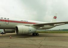 NORDKOREA, PJÖNGJANG - Juli: Air Koryo planieren in am 31. Juli 2014 herein Pjöngjang, Stockfoto