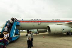 NORDKOREA, PJÖNGJANG - Juli: Air Koryo planieren in am 31. Juli 2014 herein Pjöngjang, Stockfotografie