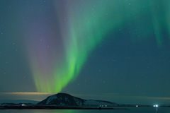 Nordlichter auf Myvatn Stockfotos
