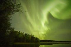 Nordlichter lakescape nachts Stockfoto