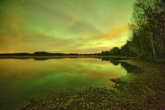 Nordlichter lakescape nachts Stockbild