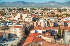 Nordlig del av Nicosia, flyg- sikt med lutande-shifeffekt cyprus Royaltyfri Fotografi