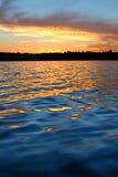 Nordlig Wisconsin sjösolnedgång royaltyfria bilder