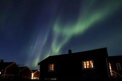 Nordliga ljus över Hamnoy III Arkivfoton