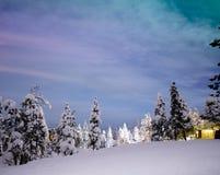 Nordliga ljus i Rovaniemi - Lapland royaltyfria foton