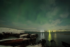 Nordliga ljus på Kola Peninsula Teriberka Murmansk regio Royaltyfria Foton
