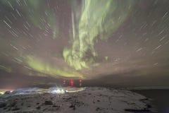 Nordliga ljus på Kola Peninsula Teriberka Murmansk regio Arkivbilder