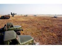 Nordost ein Schießstand, gelbes Gras, die moreworrying Luftwaffenluftverteidigungsrakete, Lizenzfreie Stockfotografie