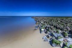 Nordsee-Wellenbrecher in der langen Belichtung Stockbilder