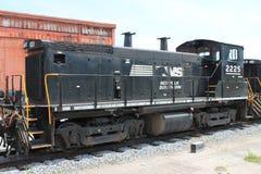 Norfolk sydlig järnväglokomotiv 2225 på Altoona PA Royaltyfria Foton