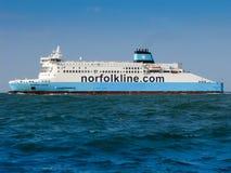 Norfolkline轮渡在多弗海峡,北海,英国 免版税库存图片
