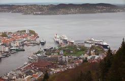 NORGE BERGEN -15 MAJ 2012: Sikten av den Vagen fjärden i mitten av staden av Bergen i Hordaland län, 15 kan 2012, Bergen, Norw Royaltyfria Bilder