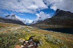 Norge - bergväg fotografering för bildbyråer