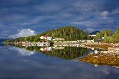 Norge - fjord reflexion fotografering för bildbyråer
