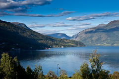 Norge - fjord scenisk sikt royaltyfri fotografi