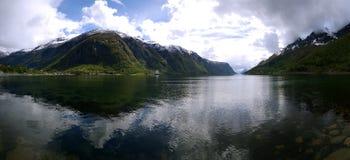 Norge fjord sjö royaltyfri foto