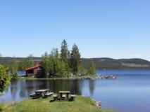 Norge - vila stället på sjön Royaltyfri Fotografi