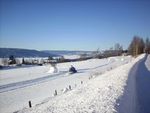 Norge - vinter - snowmobiling Royaltyfria Bilder