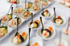 Nori roule avec le caviar rouge Photo libre de droits