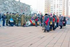 NORILSK RYSSLAND - MAJ 9, 2016: Procession av veteran av det stora patriotiska kriget Arkivbilder