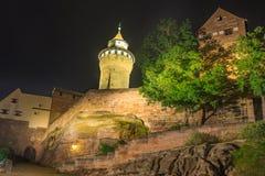 Norimberga Germania, torre di Sinwell del castello di Kaiserburg fotografie stock