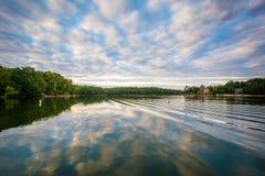 Normando del lago en la puesta del sol, en el lago Norman State Park, Carolina del Norte fotos de archivo