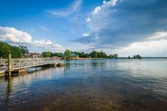 Normando del lago, en Ramsey Creek Park, en Cornelio, Carolina del Norte imagen de archivo libre de regalías