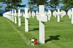 Normandy american cemetery. The cemetery is located on a cliff overlooking Omaha Beach (one of the landing beaches of the Normandy Invasion) and the English Stock Images