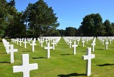 Normandy pomnika i cmentarza Amerykańscy krzyże obraz royalty free
