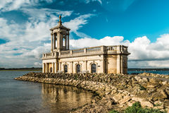 Normanton教会在拉特兰湖公园,英国 免版税图库摄影