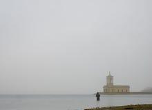 Normanton kyrka i dimma royaltyfri bild
