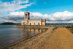 Normantonkerk in Rutland Water Park, Engeland stock foto's