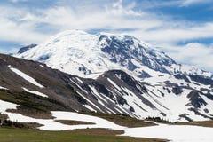 Norr framsida av Mt rainier Arkivfoton