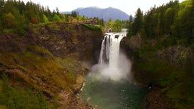 Norr krökning Washington Waterfall Riverflow Mt Si för Snoqualmie nedgångar arkivfilmer