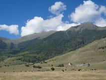norr panorama för caucasus liggandeberg arkivfoto