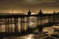 Norr pir, Blackpool. England på ebb Royaltyfria Bilder