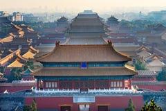 Norr röd ingång för Forbidden City för många gulingtak haka Peking Royaltyfria Bilder