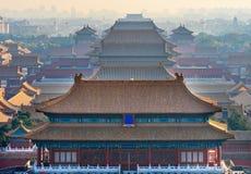 Norr röd ingång för Forbidden City för många gulingtak haka Peking Arkivbilder