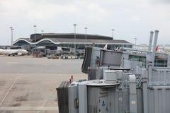 norr satellit- folkhop för hk-flygplats Arkivfoton