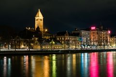 Norrköping na noite foto de stock