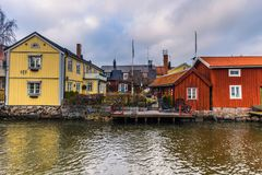 Norrtalje Schweden - 1. April 2017: Alte Stadt von Norrtalje, Schweden Stockfotos