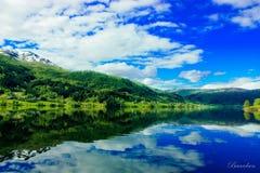 Norsk fjord arkivfoto