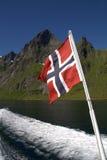 Norsk flagga på fartyget Arkivbild