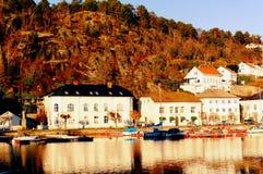Norsk gammal port över höga klippor Royaltyfria Bilder