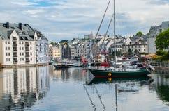 Norsk hamnstad royaltyfri fotografi